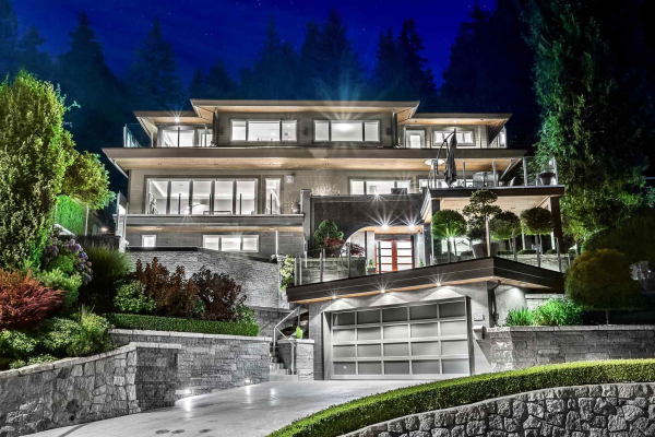 380 NEWDALE COURT, North Vancouver