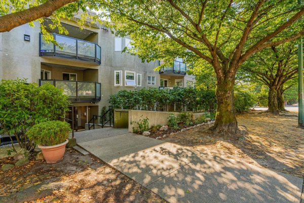 101 175 W 4TH STREET, North Vancouver