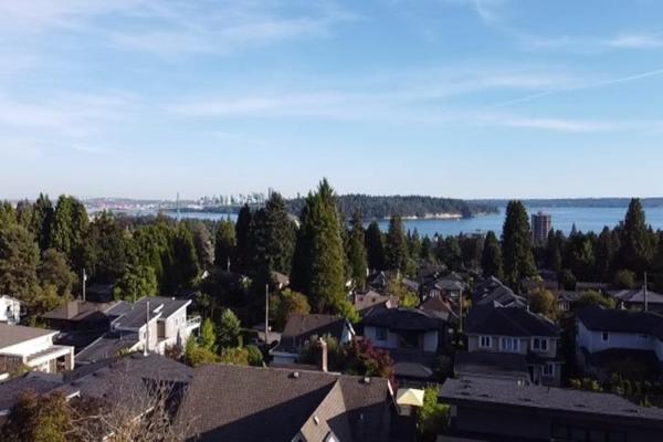 1484 KINGS AVENUE, West Vancouver