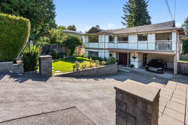 117 W ST. JAMES ROAD, North Vancouver