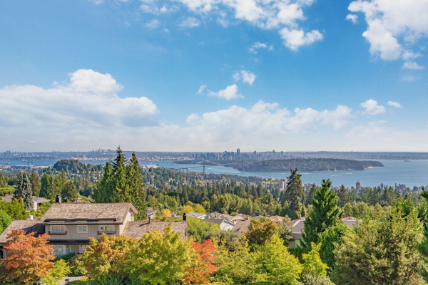 1373 CAMWELL DRIVE, West Vancouver