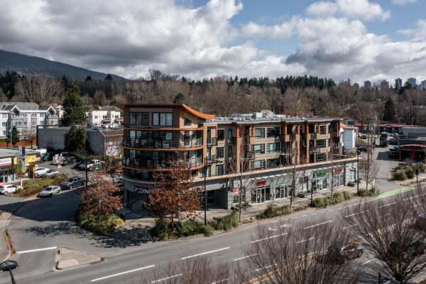 302 857 W 15TH STREET, North Vancouver