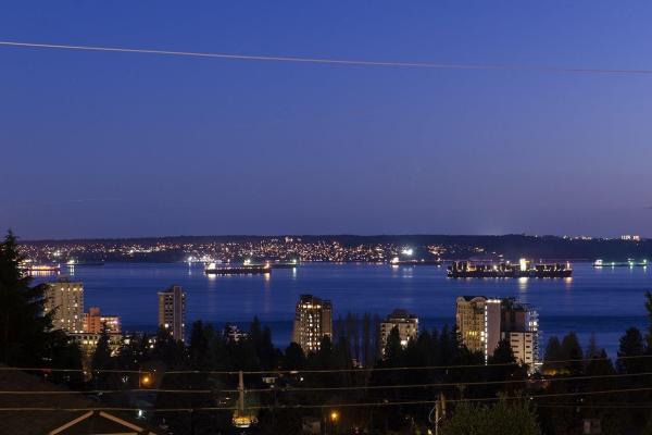 2109 NELSON AVENUE, West Vancouver