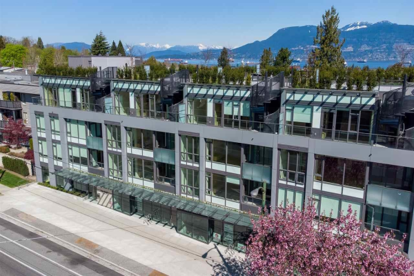 210 3639 W 16TH AVENUE, Vancouver