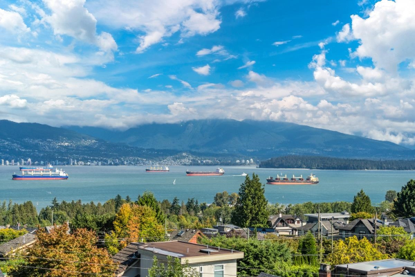 4541 W 5TH AVENUE, Vancouver