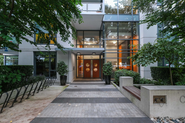 512 135 W 2ND STREET, North Vancouver