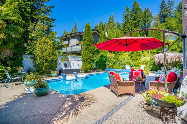 5630 WESTHAVEN COURT, West Vancouver
