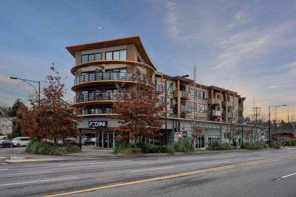 209 857 W 15TH STREET, North Vancouver