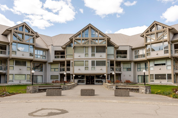 329/330 4905 SPEARHEAD PLACE, Whistler