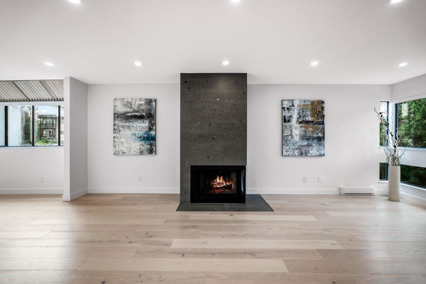 2018 CHESTERFIELD AVENUE, North Vancouver