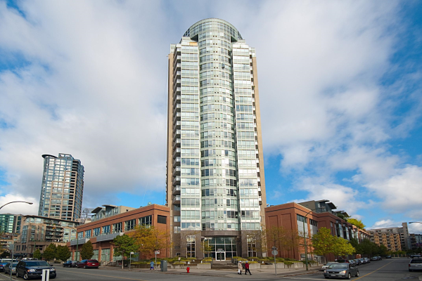 2010 63 KEEFER PLACE, Vancouver