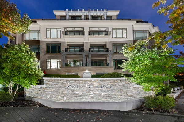 302 568 WATERS EDGE CRESCENT, West Vancouver