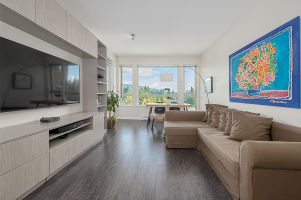 523 2665 MOUNTAIN HIGHWAY, Vancouver
