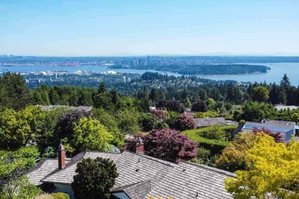 1102 HIGHLAND DRIVE, West Vancouver