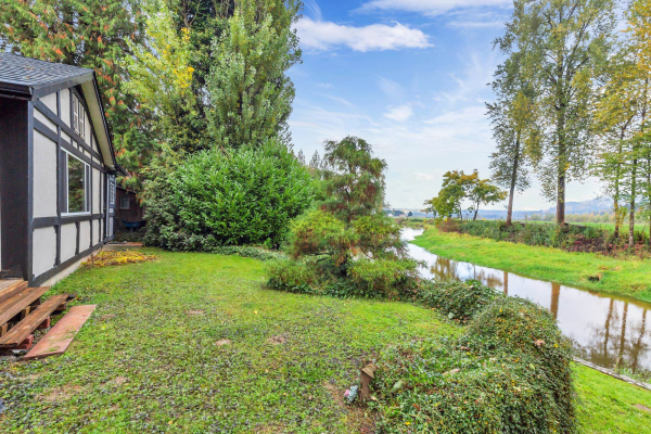 10064 MOUNTAINVIEW ROAD, Mission