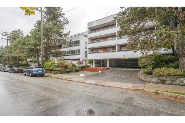 501 250 W 1ST STREET, North Vancouver